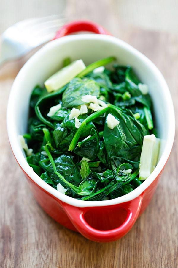 Garlic Butter Sauteed Spinach - easy spinach with garlic and butter. Easy and healthy recipe with only 5 ingredients and takes 8 mins | rasamalaysia.com