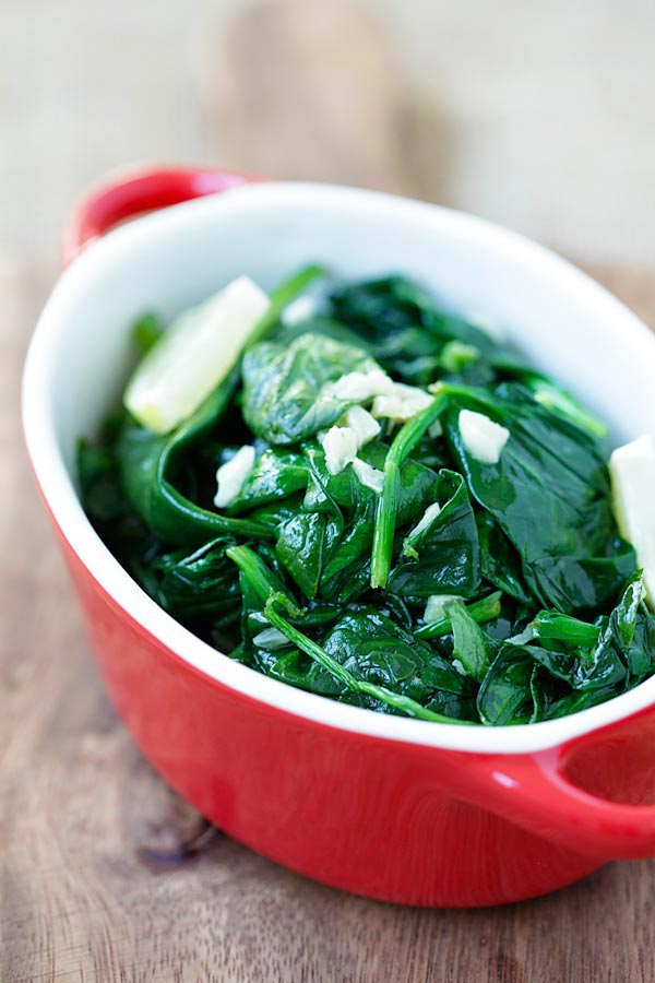 Garlic Butter Spinach - sauteed baby spinach with garlic & butter. Easy and healthy recipe with only 5 ingredients and takes 8 mins | rasamalaysia.com