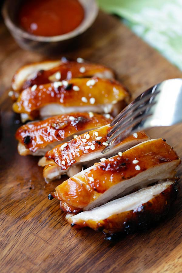 Honey Sriracha Chicken sliced and ready to serve.