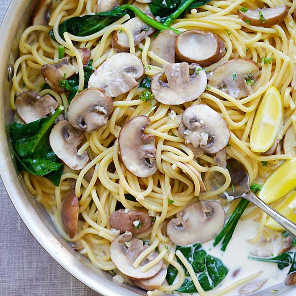 Creamy Mushroom Pasta – crazy delicious one-pot pasta with creamy mushroom sauce, every spaghetti strand is coated in creamy goodness | rasamalaysia.com