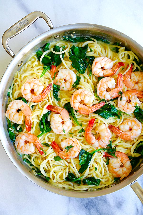 Creamy shrimp pasta easy delicious recipes for Prawn and spaghetti recipe