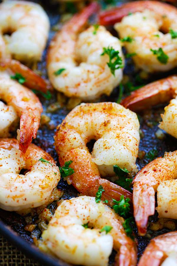 Easy Garlic Shrimp sauteed in pan