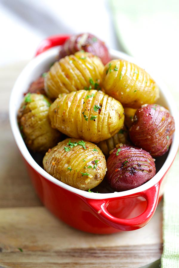 Garlic roasted potatoes in oven.
