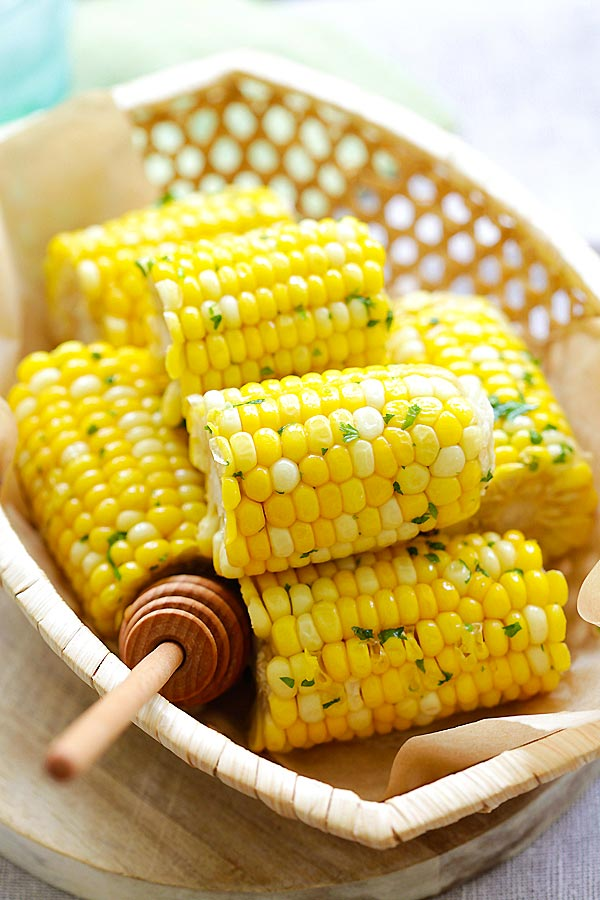 Honey Butter Corn - juicy and sweet corns with sticky sweet and buttery honey butter. Quick and easy recipe that takes only 12 mins | rasamalaysia.com