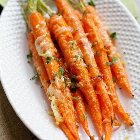 Garlic Parmesan Roasted Carrot