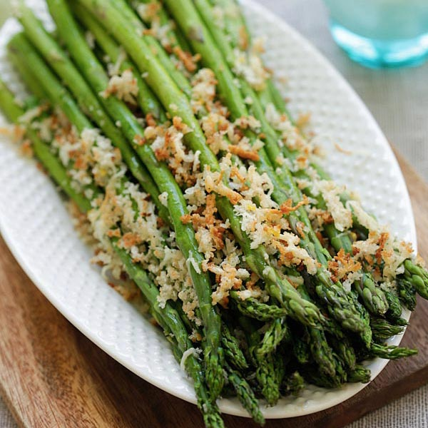 Asparagus with Lemon Parmesan Breadcrumbs