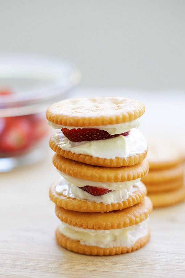 Easy homemade no-bake strawberry cheesecake sandwich made with RITZ crackers and fresh strawberries.