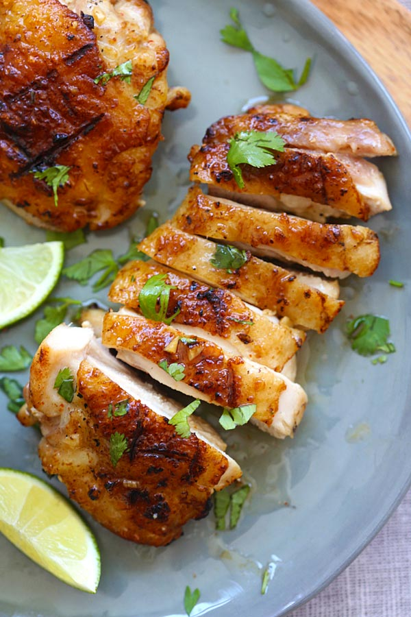 Sliced oven-baked chicken marinade with tequila, lime and garlic.