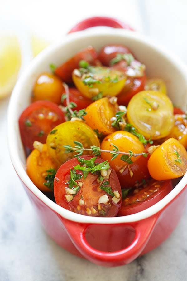 Marinated Tomatoes - healthy tomatoes marinated with olive oil, balsamic vinegar and herbs. A perfect side dish that everyone loves | rasamalaysia.com