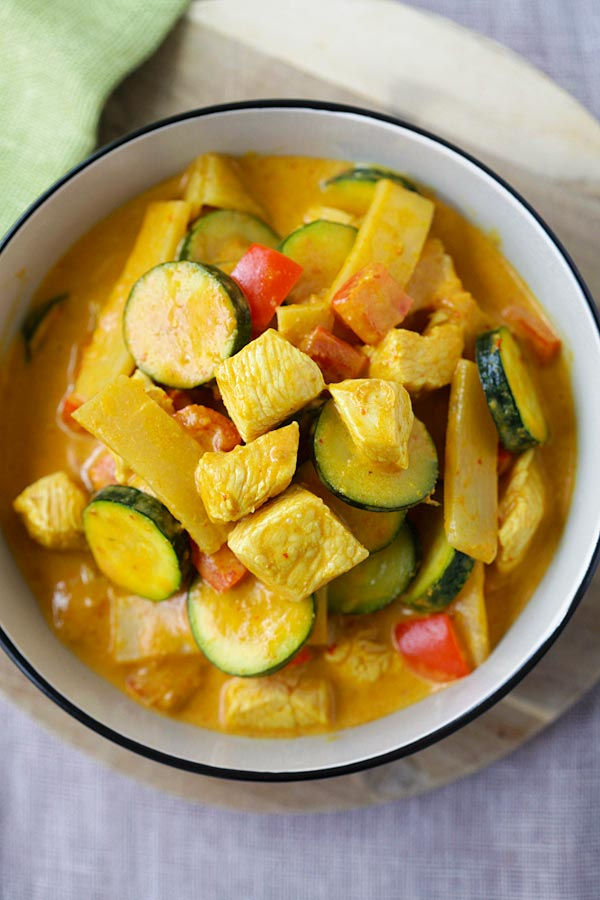 Thai Yellow Curry | Easy Delicious Recipes