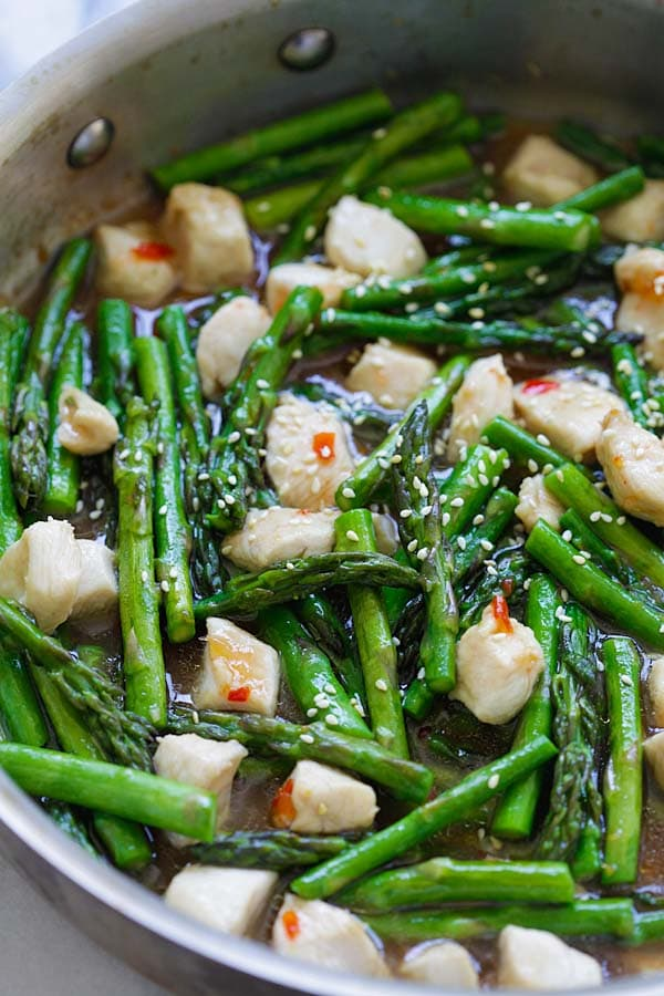 Chicken and Asparagus - healthy asparagus chicken stir-fry with a ...