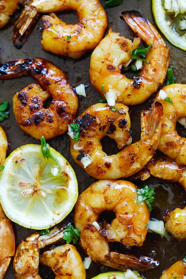 Grilled Honey Cajun Shrimp - amazing grilled shrimp with honey cajun seasonings. Sweet, spicy, the best and easiest cajun shrimp ever | rasamalaysia.com
