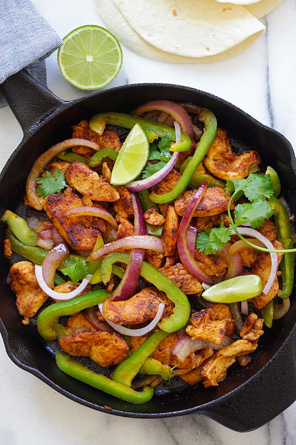 Sizzling chicken fajita easy delicious recipes sizzling chicken fajita forumfinder Gallery