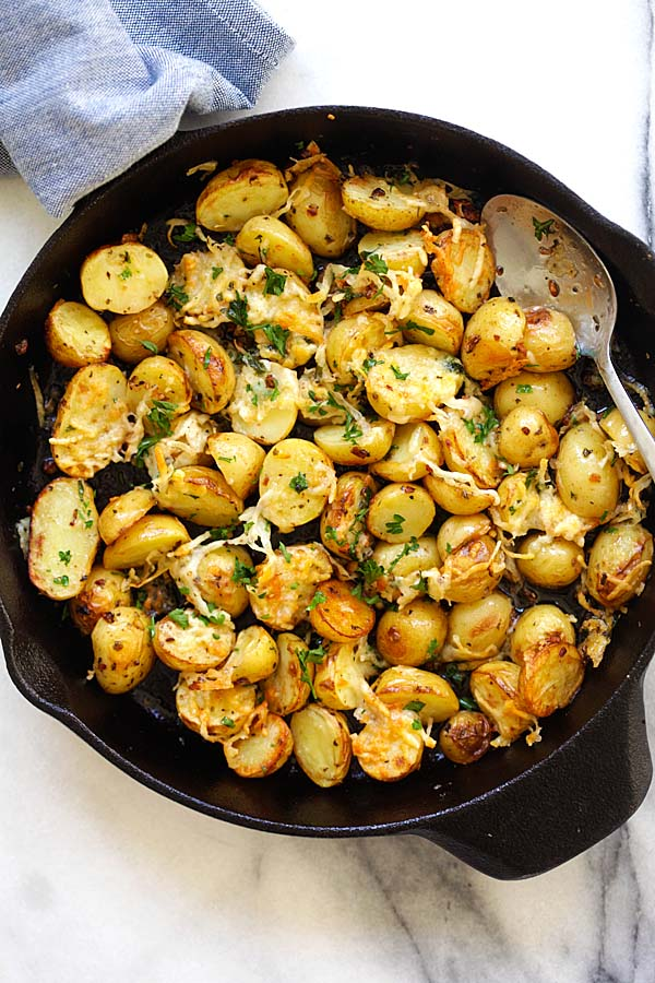 Easy tasty Italian roasted potatoes in a skillet.