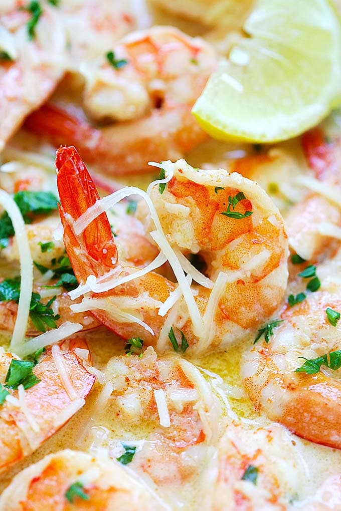 Creamy Garlic Parmesan Shrimp - Crazy delicious shrimp with rich, buttery, creamy garlic Parmesan sauce. Takes 15 mins only and so good | rasamalaysia.com