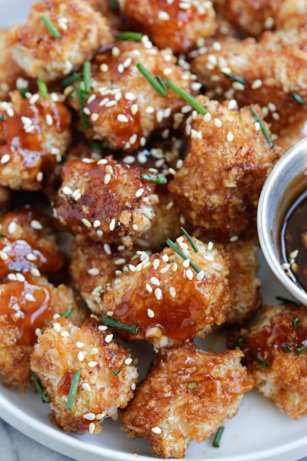 Honey Garlic Chicken Bites - panko-crusted baked chicken nuggets with a sweet and savory honey garlic sauce. So sticky sweet and good | rasamalaysia.com