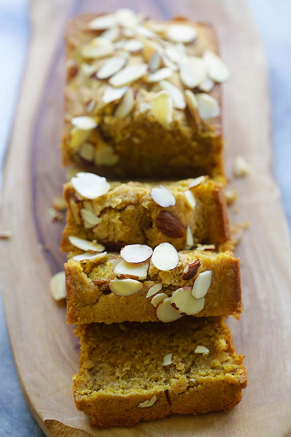 Pumpkin Pound Cake - buttery, moist and amazing pound cake recipe loaded with pumpkin and pumpkin pie spice. So aromatic and delicious | rasamalaysia.com