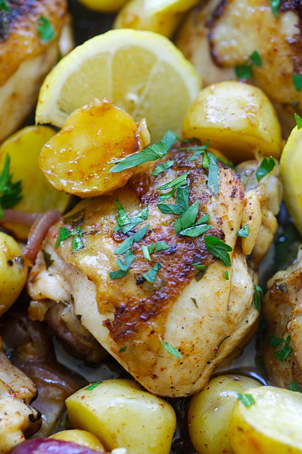 Spanish Chicken and Potatoes - crazy delicious one-pot Spanish chicken and potatoes bake with onions, garlic, and paprika. So good | rasamalaysia.com
