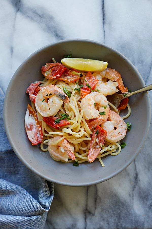 Creamy Shrimp and Sun-Dried Tomatoes Pasta - the best one-pot pasta you can make, with shrimp and sun-dried tomatoes in a rich creamy sauce | rasamalaysia.com