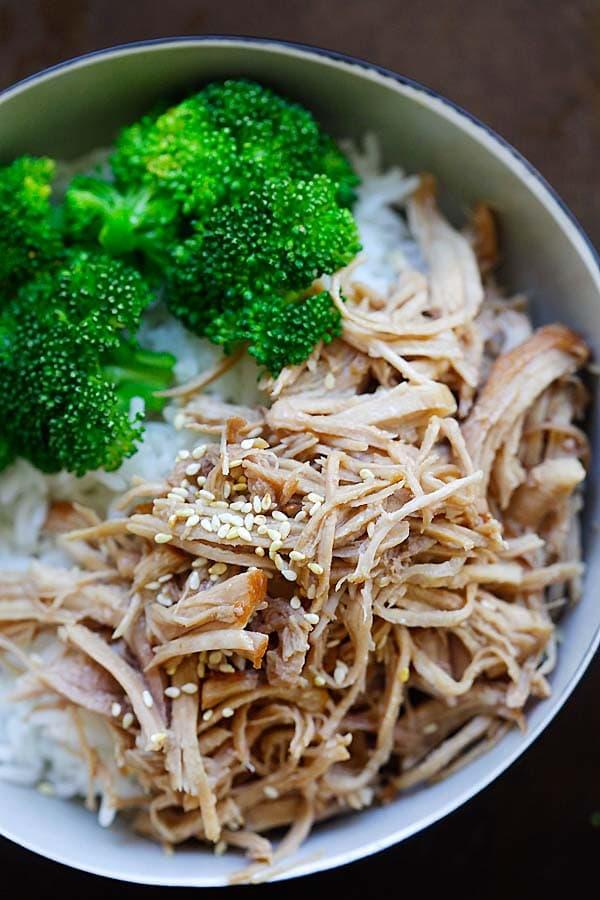 Hawaiian Kalua Pork - tender and juicy pressure cooker Hawaiian Kalua pork recipe. 10 mins active time and dinner is done | rasamalaysia.com