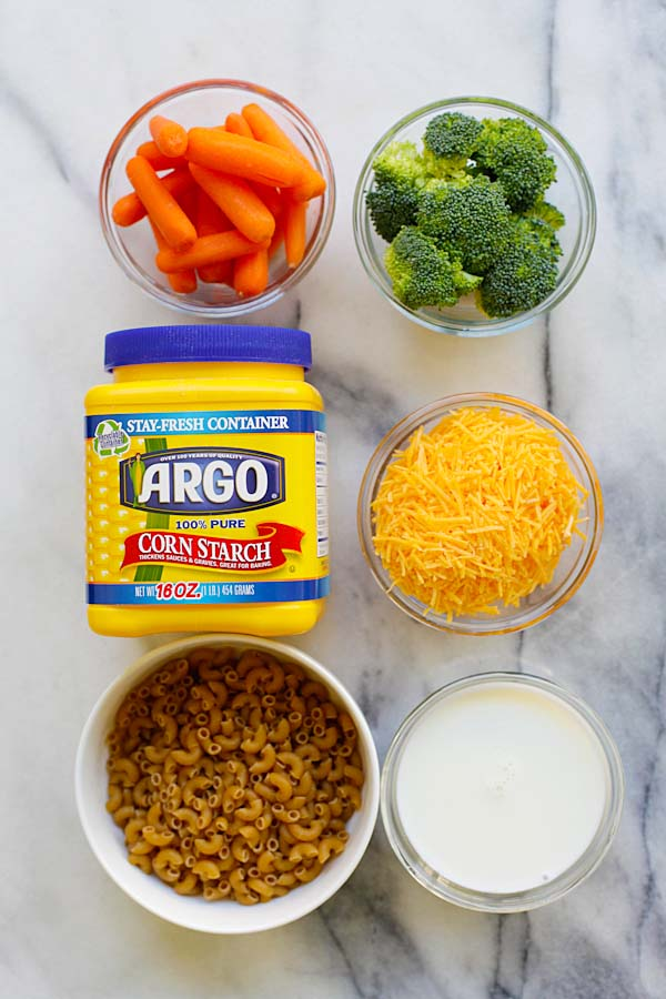 Mac and cheese with broccoli and carrots ingredients.