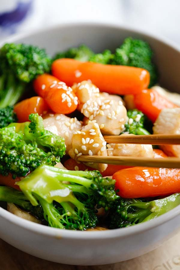 Homemade Stir Fry Sauce With Chicken and Vegetables