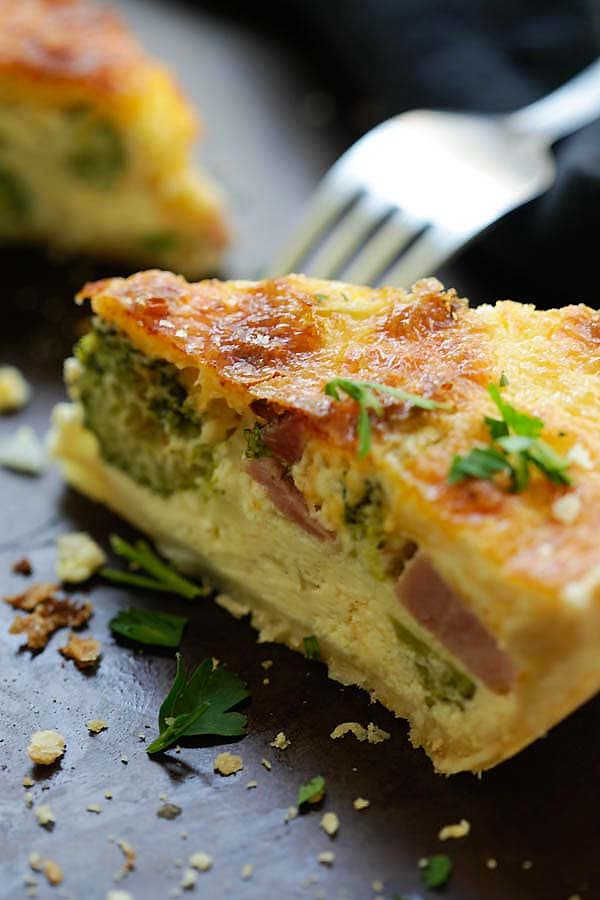 Cheesy Ham and Broccoli Quiche - the BEST homemade quiche you'll ever made, with cheesy egg custard loaded with ham and broccoli. So good | rasamalaysia.com
