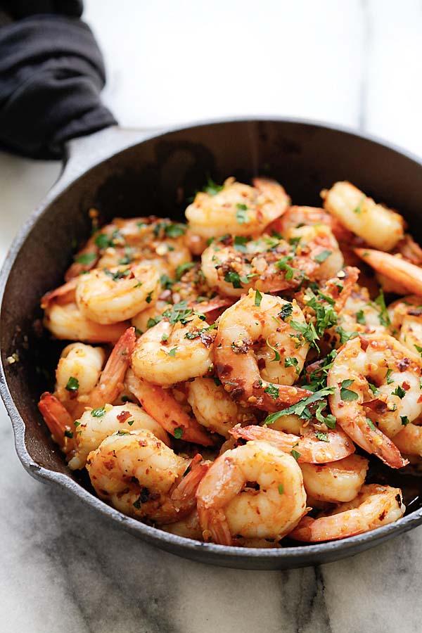 Chili Garlic Shrimp (Gambas Al Ajillo) - the best shrimp appetizer recipe you'll make. This Spanish chili garlic shrimp recipe is the bomb | rasamalaysia.com