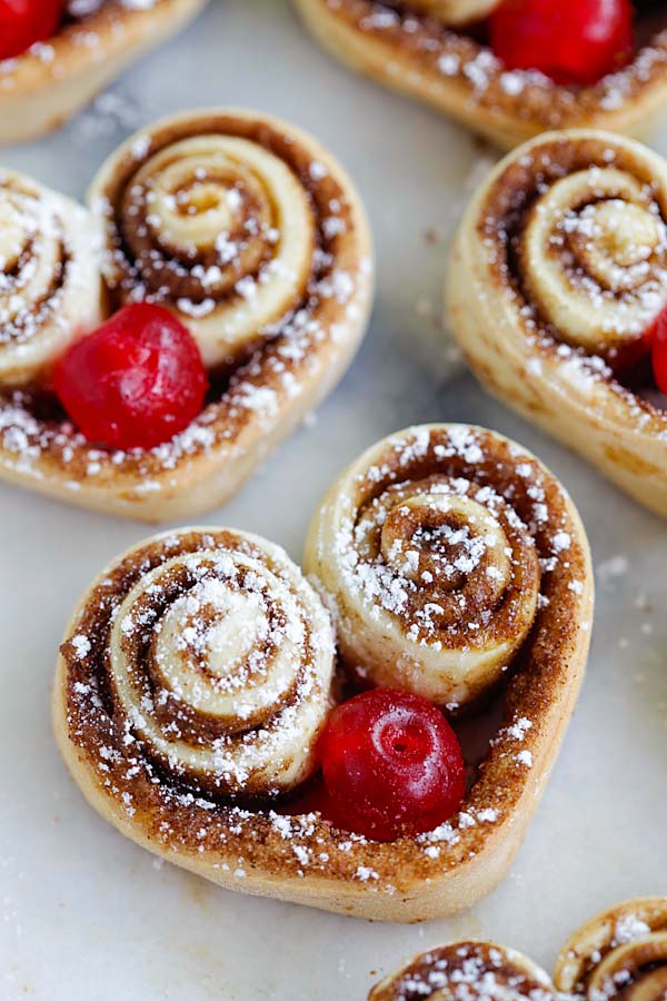 Easy and healthy homemade cinnamon rolls from scratch.