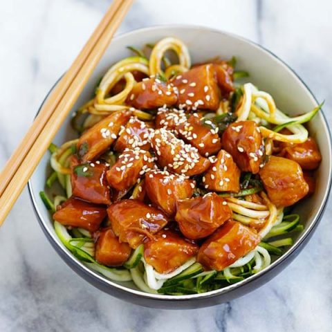 Honey Sriracha Chicken Zucchini Noodles