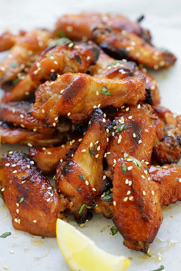 Easy and delicious Japanese chicken wings marinade with miso paste and honey.