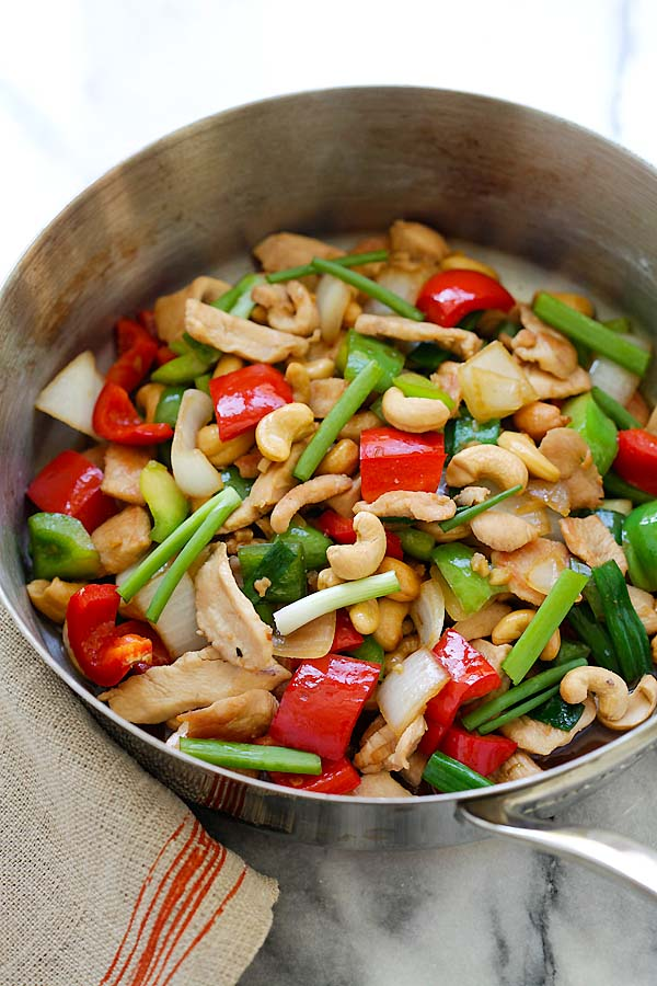 Easy Asian stir-fry cashew nuts chicken in Asian brown sauce.