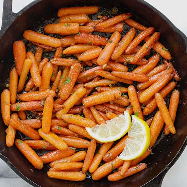 Brown Sugar Roasted Carrots - the sweetest, most tender and buttery roasted carrots recipe ever! Five ingredients and 10 mins active time | rasamalaysia.com