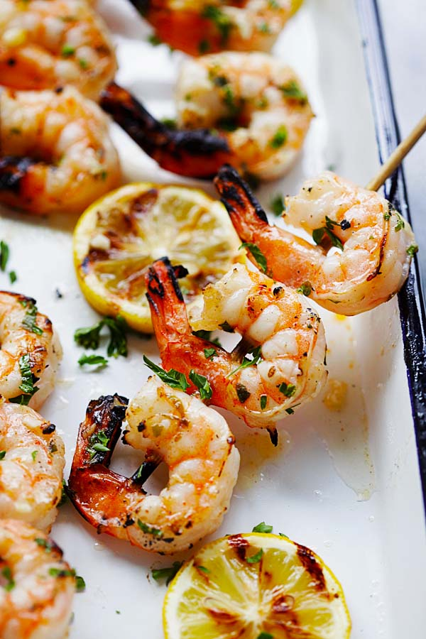 Garlic Butter Shrimp Kebab - juicy, succulent and perfectly grilled shrimp kebab with garlic butter and lemon juice. A guaranteed crowd pleaser | rasamalaysia.com