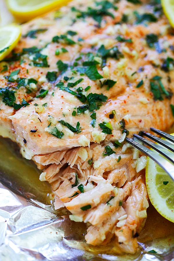 Easy homemade flaky salmon with garlic lemon butter, ready to serve.