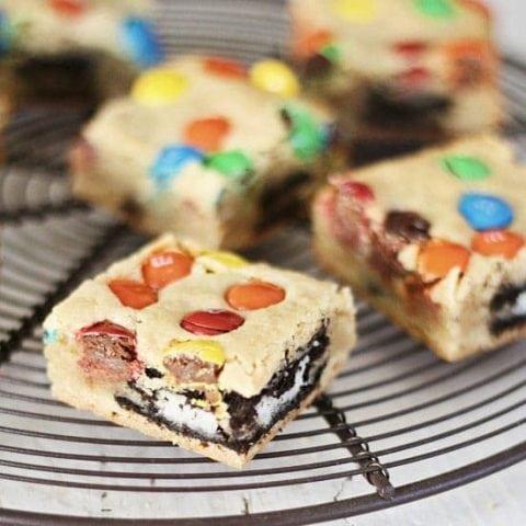 M&M Oreo Cookie Bars