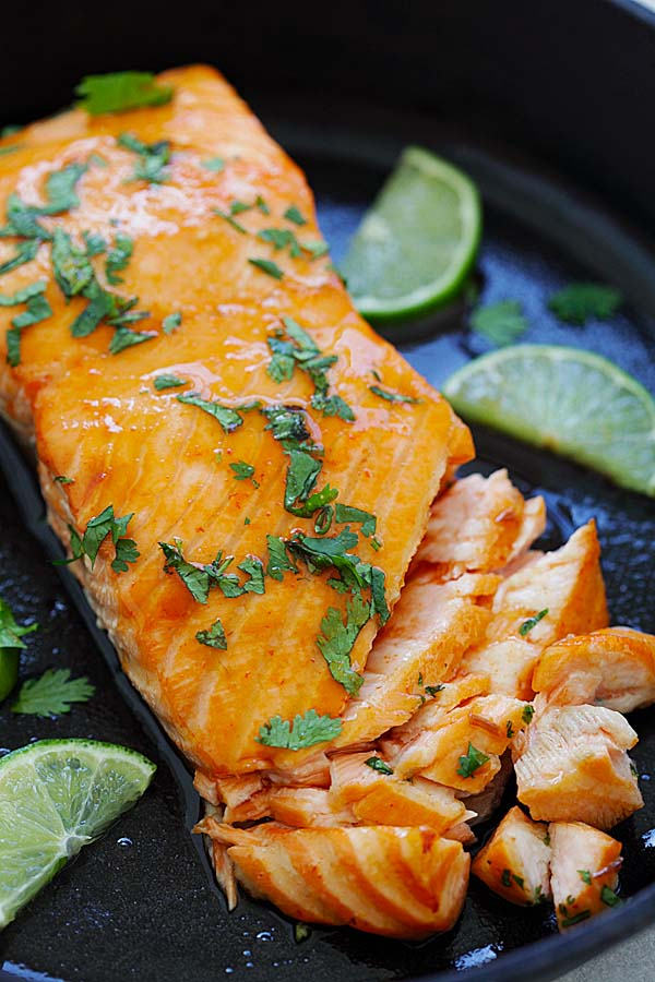 Sriracha Lime Salmon - Baked Salmon with delicious Sriracha and lime juice marinade. Moist, juicy and mouthwatering salmon recipe that you want to eat every day | rasamalaysia.com