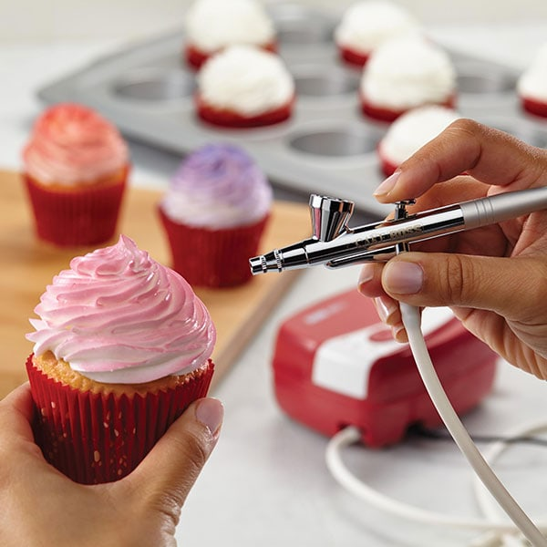 Cake Boss™ Decorating Tools Airbrushing Kit Giveaway ...