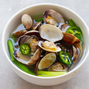 Korean clam soup