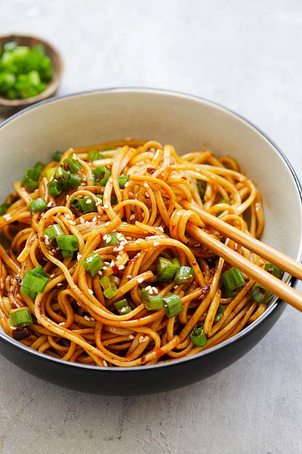 Spicy Sichuan Noodles - cold noodles in a spicy, savory and numbing Sichuan sauce. This Sichuan noodles recipe is so addictive and delicious   rasamalaysia.com