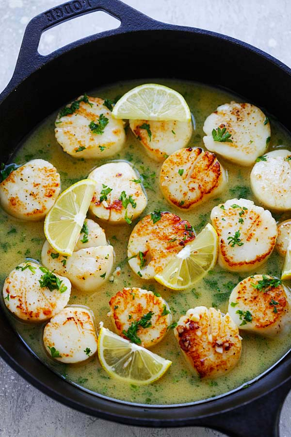 Garlic Butter Scallops with Lemon Sauce - better than restaurant's pan-seared scallops with buttery lemon sauce, cheaper and so delicious | rasamalaysia.com