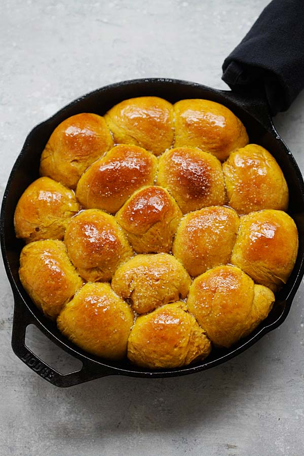 Easy and quick skillet pumpkin dinner rolls.