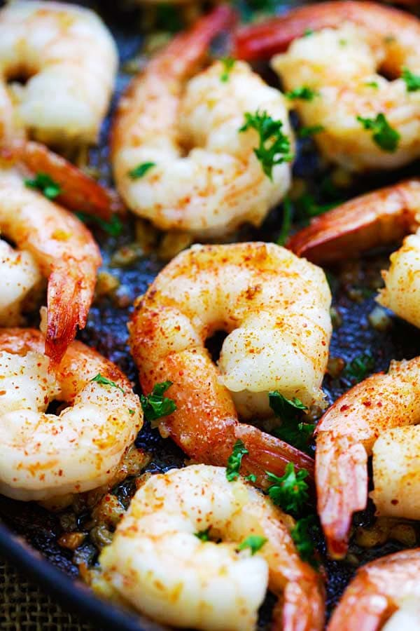 Easy sauteed garlic shrimp in pan.