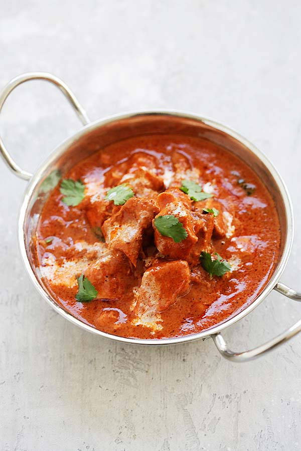 Instant Pot Butter Chicken - the best Indian butter chicken recipe with rich, creamy and delicious tomato butter chicken sauce. This easy recipe takes only 10 minutes | rasamalaysia.com