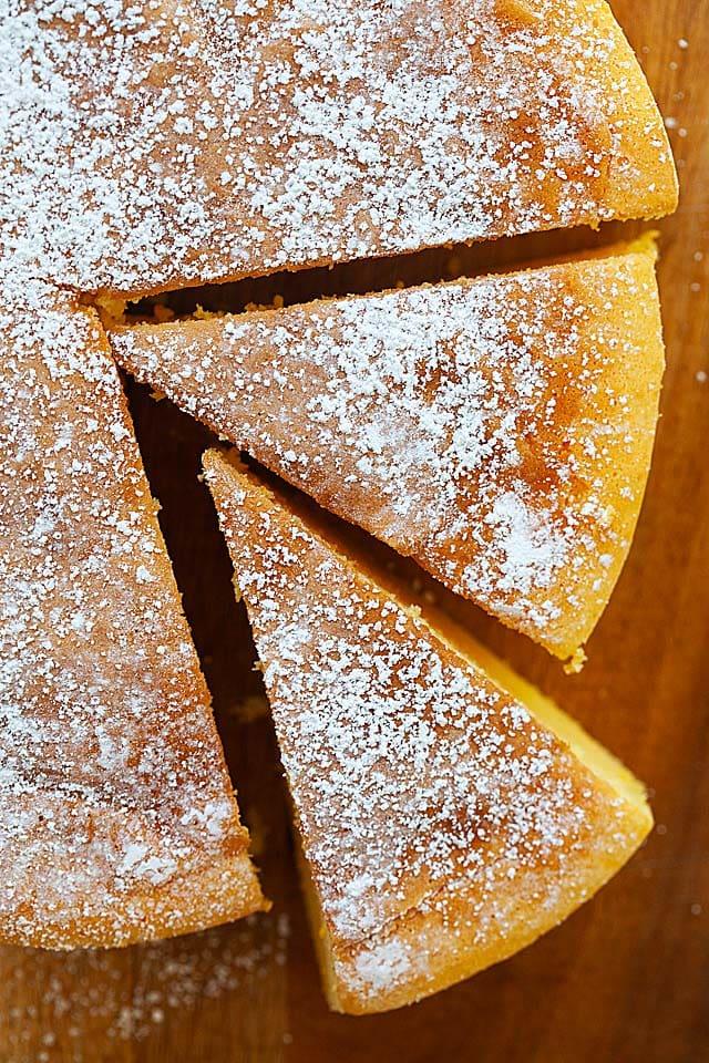 Jiggly Japanese cheesecake with powdered sugar.