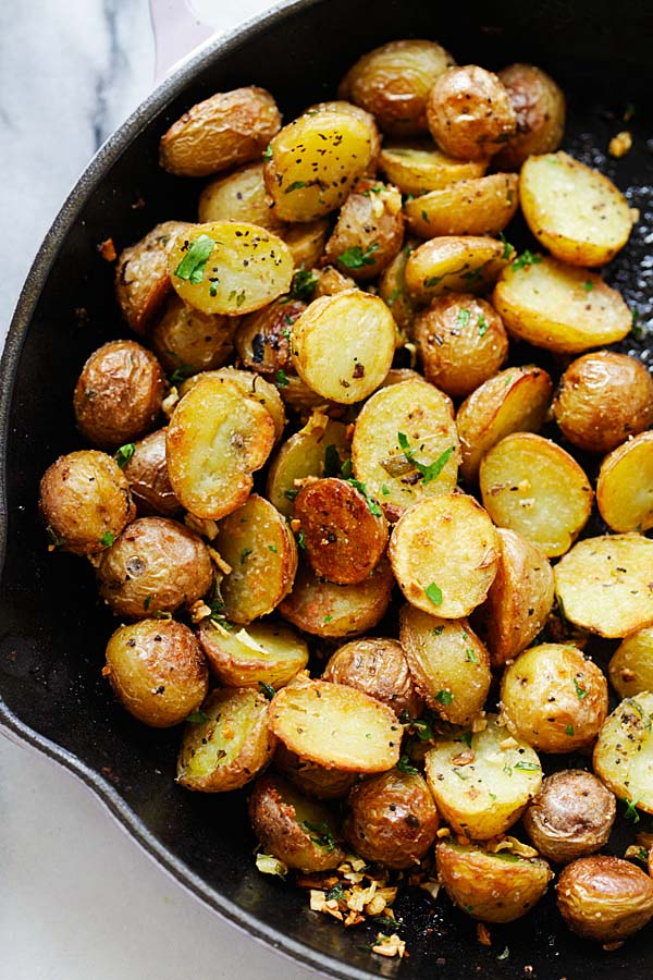 Quick Roasted potatoes recipe cooked with skillet.