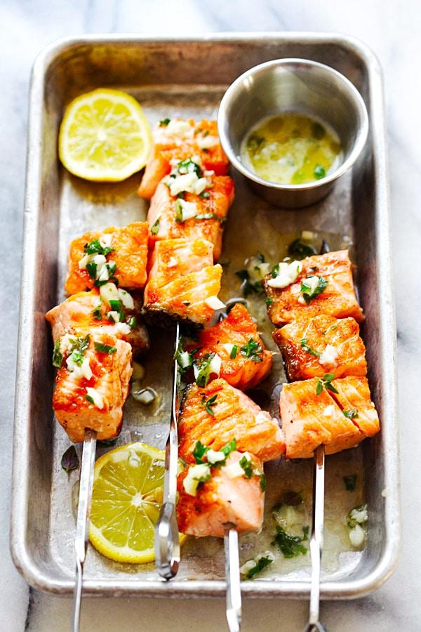 Grilled salmon kebab (kabob) recipe with garlic butter and lemon juice.
