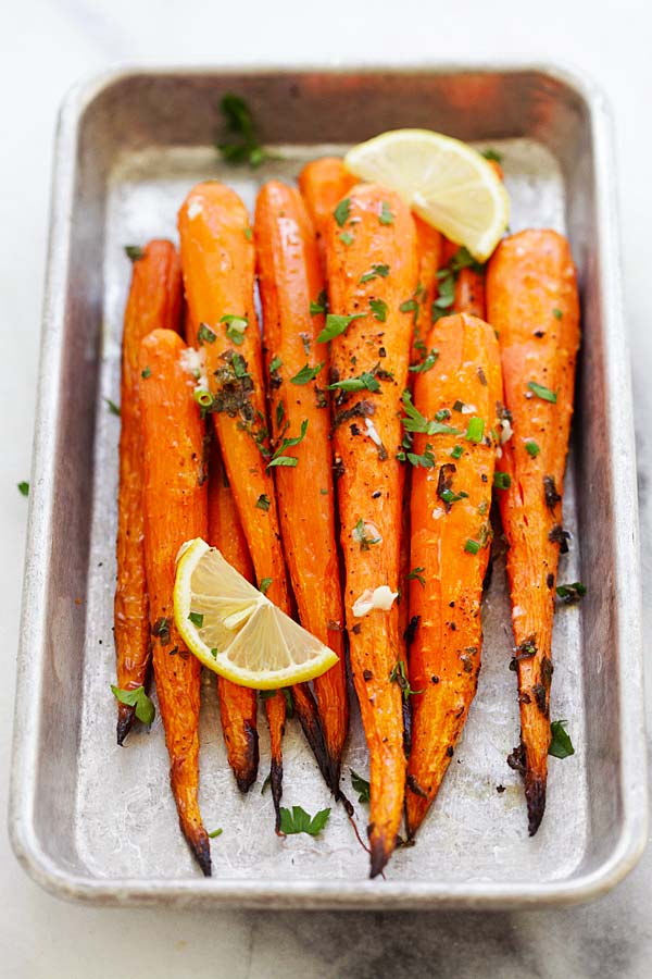 Easy Lemon Herb Oven Roasted Carrots