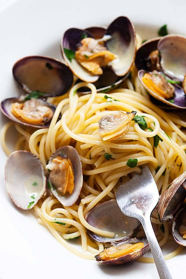 Spaghetti alle vongole with white wine in the sauce.