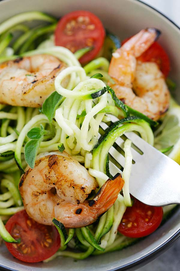 Easiest zoodle salad made with zucchini, grilled shrimp and lemon-honey dressing.